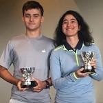 Boettcher e Laura com trofeu rs