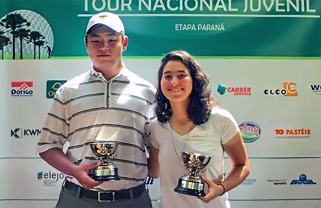 Thomas Cois e Laura Caetano, campeões gerais e da catgoria juvenill, no Curitibano