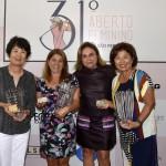 16,1 a 25,7 Chieko Takita, Samara Benegas e Mary Hirai com Adelina Garcia de Souza