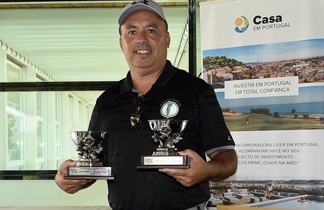 AGRC Juan Silva com os trofeus de campeao Senior e Pre-Senior 650