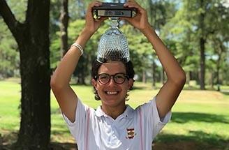 GHui Grinberg com trofeu CGC 360