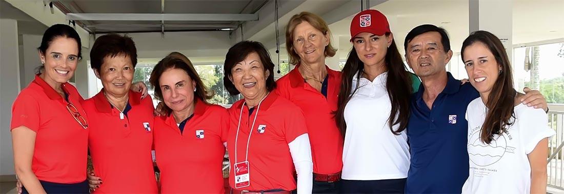 As equipes do São Fernando, líderes nas duas categorias, com seus capitães. Fotos: Thais Pastor/F2 Comunicação